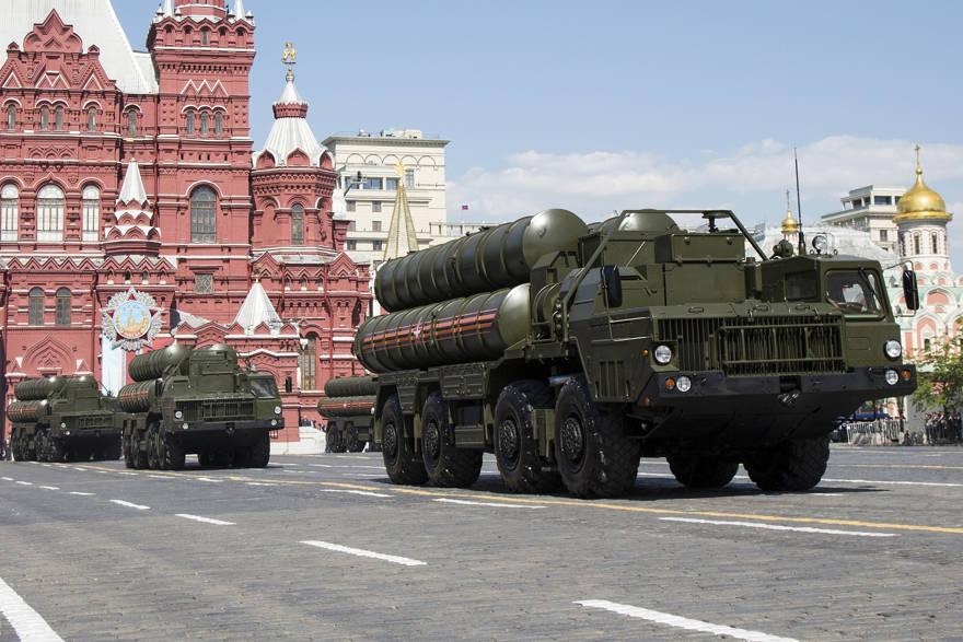 Ministro: Israel podría destruir los S-300 sirios, incluso si son rusos