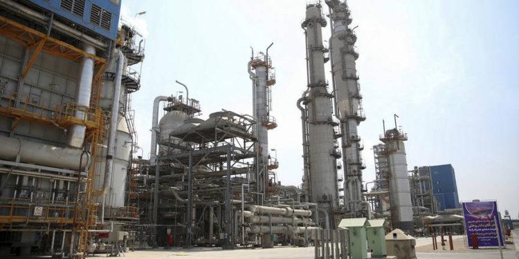 Irán dice que las exenciones de EE. UU no son suficientes para las demandas del mercado petrolero