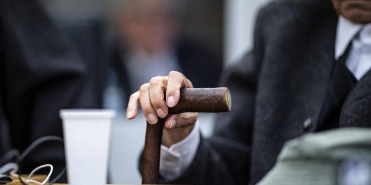 Antiguo guardia de campo de concentración irá a juicio en Alemania a los 94 años