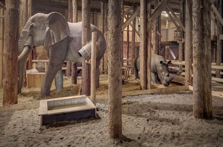 Figuras de animales de tamaño natural dentro del Arca de Noé en Dorderecht en 2013. (Cortesía de De Ark van Noach)