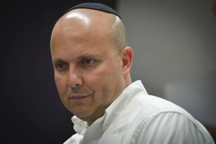 Alcalde de Ashkelon suspendido y acusado de soborno pierde las elecciones por 350 votos