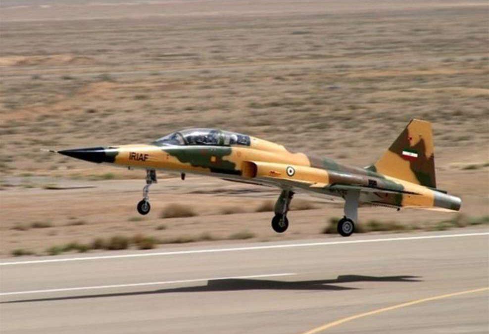 Irán inaugura su línea nacional de producción de cazas ante sanciones de Estados Unidos