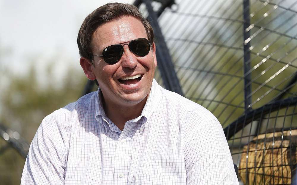 Candidato republicano para gobernador de la Florida, Ron DeSantis, durante una excursión en aeronave por los Everglades de Florida, el 12 de septiembre de 2018, en Fort Lauderdale, Florida.(Foto AP / Wilfredo Lee)