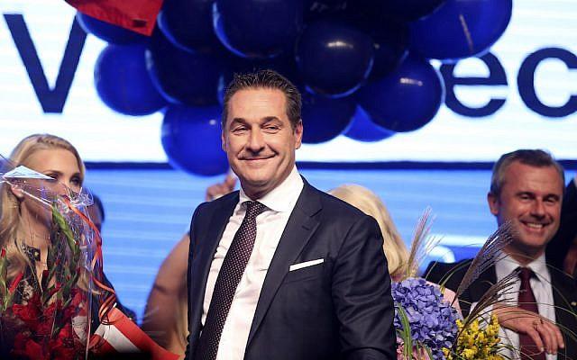 Heinz-Christian Strache, el líder del Partido de la Libertad de derecha de Austria, en el evento electoral del partido después de las elecciones parlamentarias austriacas en Viena, 15 de octubre de 2017. (Alex Domanski / Getty Images / vía JTA)