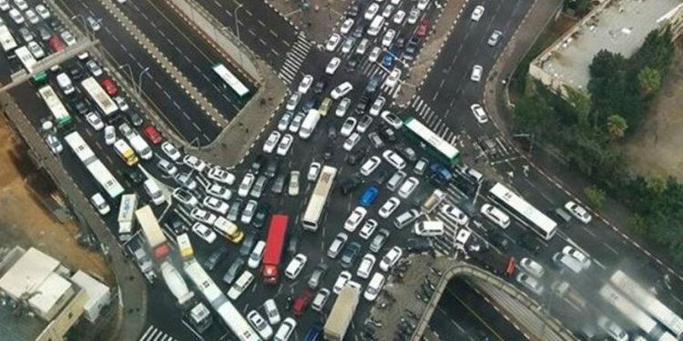 Israel busca ayuda del sector privado para solucionar problemas de transporte