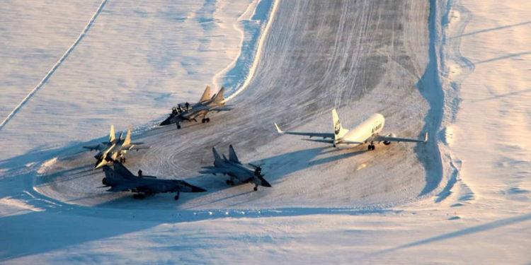 Cazas de combate rusos MiG-31 quedan atrapados en un aeropuerto civil