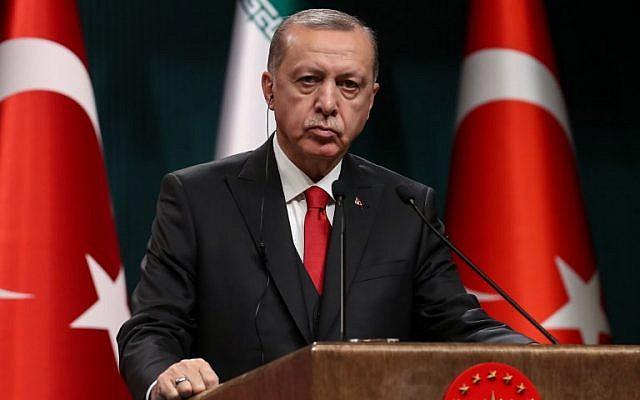 El presidente de Turquía, Recep Tayyip Erdogan, habla durante una conferencia de prensa conjunta con el presidente iraní en el complejo presidencial turco en Ankara el 20 de diciembre de 2018. (Adem ALTAN / AFP)
