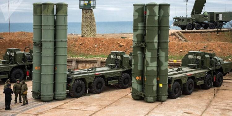 Rusia refuerza militarmente Crimea y obstruye el paso a través de ruta en el Mar del Norte