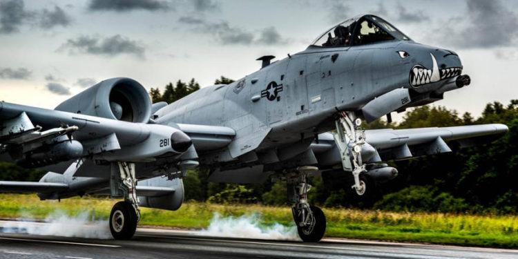 Una eventual guerra entre Rusia y la OTAN enfrentaría bombarderos, portaaviones y submarinos entre sí