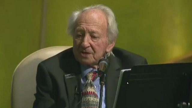 Noah Klieger se dirige a la Asamblea General de la ONU