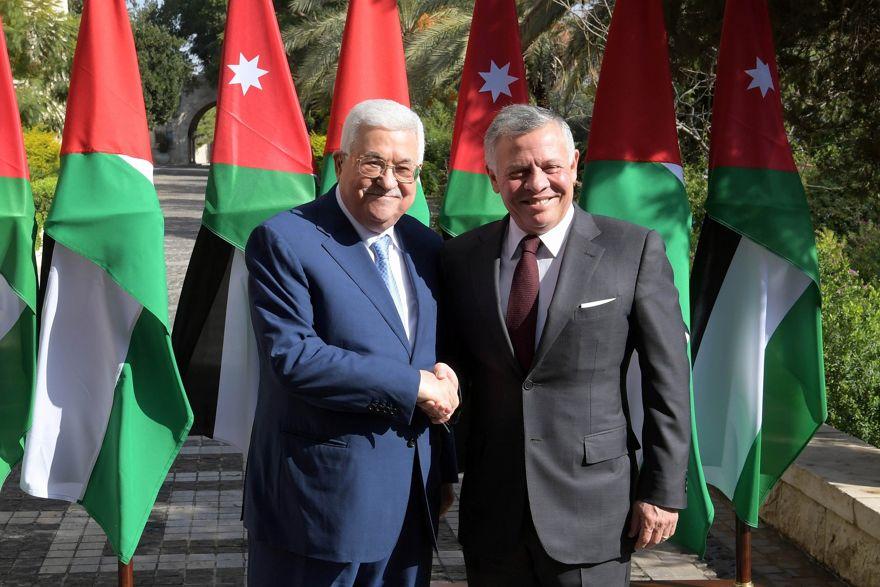 El rey jordano Abdullah y el presidente de la Autoridad Palestina Mahmoud Abbas se reunieron en Amman el 18 de diciembre de 2018. (Crédito: Wafa)