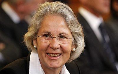 Archivo: Susanne Wasum-Rainer en 2011 en la Corte Internacional de Justicia en La Haya, Países Bajos (AP Photo / Bas Czerwinski)