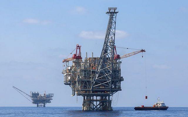 Foto ilustrativa de las plataformas israelíes de gas natural en el mar Mediterráneo, 2 de septiembre de 2015. (Flash90)