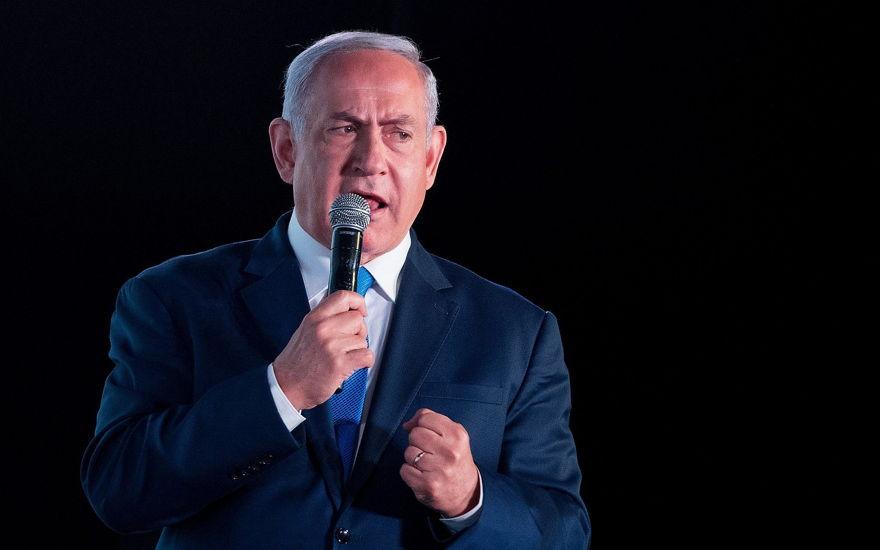 El primer ministro Benjamin Netanyahu habla en una conferencia organizada por el diario financiero Globes en Jerusalén el 19 de diciembre de 2018. (Yonatan Sindel / Flash90
