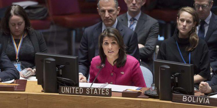 La embajadora de los Estados Unidos ante la ONU, Nikki Haley, habla en una reunión del Consejo de Seguridad de la ONU sobre el Medio Oriente el 19 de noviembre de 2018. (ONU / Rick Bajornas)