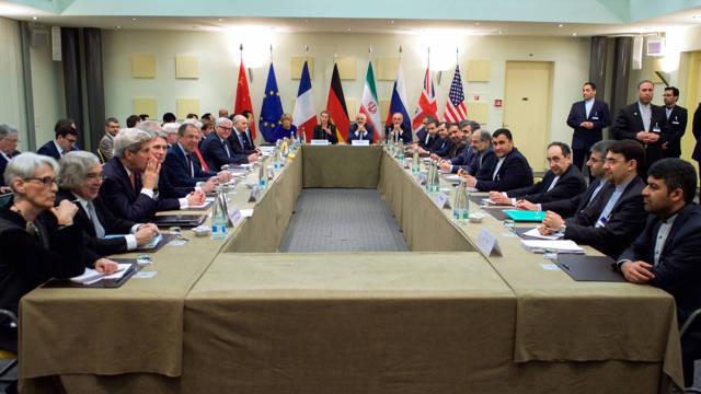 Los cancilleres de los países firmantes del acuerdo nuclear, reunidos en las negociaciones de 2015 (Archivo)