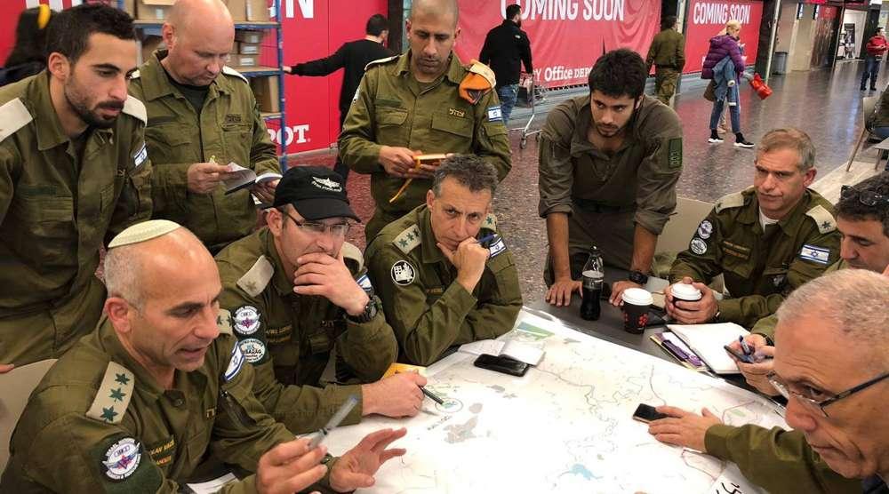 La misión israelí a Brasil incluye soldados y oficiales de reserva, entre ellos especialistas en ingeniería, médicos y personal de rescate.(IDF a través de JTA)