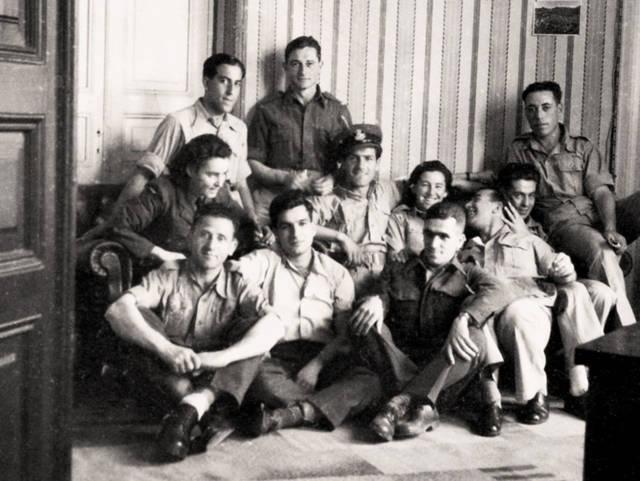 Soldados de la Palestina obligatoria británica en Egipto. 1944, la Colección Bitmuna. Colección Bitmuna