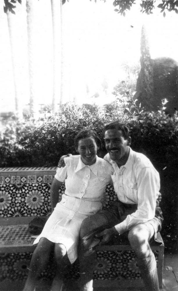 Haviva Reik y Zvi Ben-Yaakov en Egipto, 1944. Foto: Rafael Reiss, la Colección Bitmuna. Colección Bitmuna
