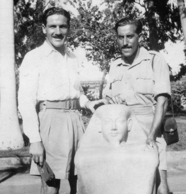 Rafael Reiss y Zvi Ben-Yaakov en Egipto, 1944. Foto: Rafael Reiss, la Colección Bitmuna.