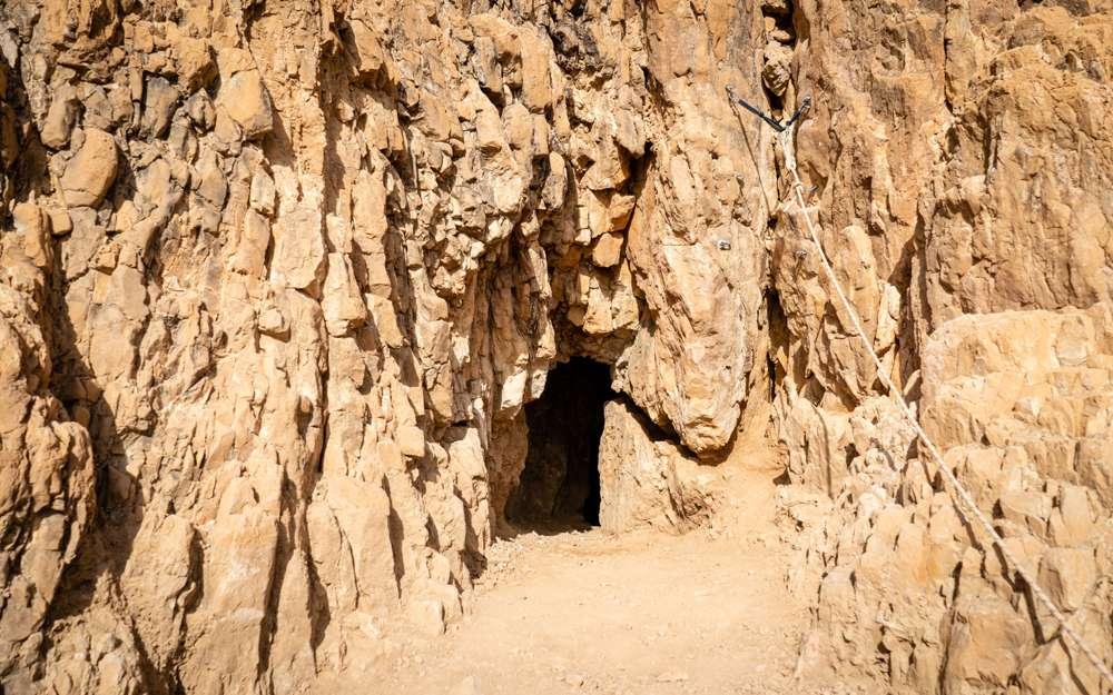En los acantilados de Qumran, una expedición desentierra nuevos Rollos del Mar Muerto