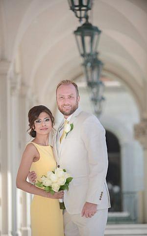 Tania Joya y Craig Burma en el día de su boda (Cortesía)