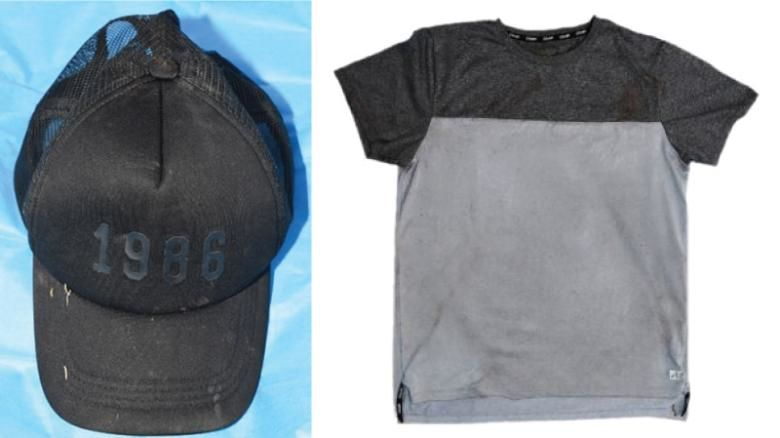 """""""Clave para acabar con el crimen"""".Camiseta y gorro encontrados en la escena."""