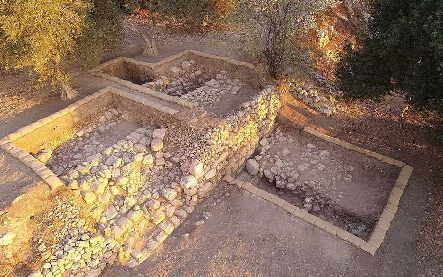 Sitio bíblico vinculado al Arca de la Alianza desenterrado en un convento en el centro de Israel