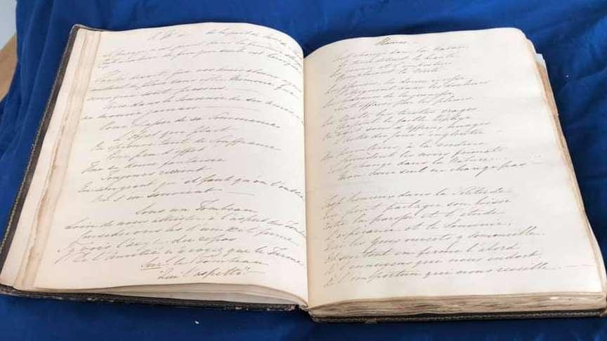 Dos páginas del manuscrito encontrado en el álbum victoriano comprado por Karen Ievers.(Renee Ghert-Zand / TOI, © Karen Ievers)