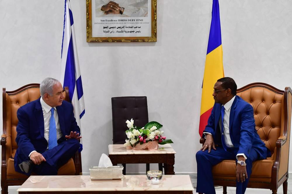 El primer ministro, Benjamin Netanyahu, se reúne con el ministro de Relaciones Exteriores de Chad, Mahamat Zene, Chad, 20 de enero de 2019.Kobi Gideon / GPO