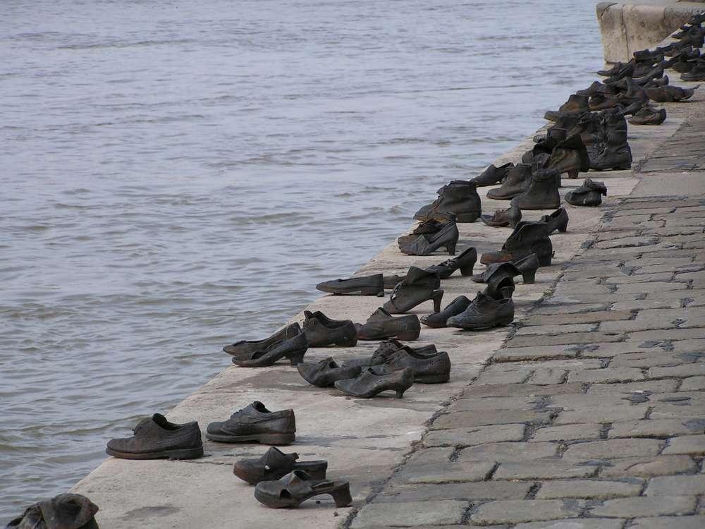Buzos israelíes buscarán en el Danubio restos de víctimas del Holocausto