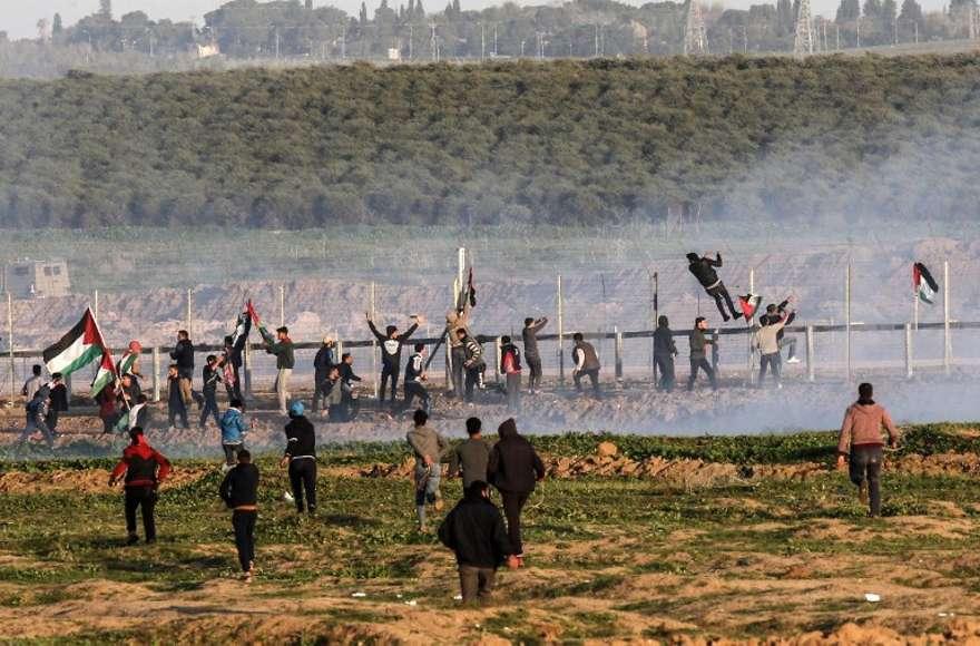 Aproximadamente diez mil árabes intentaron infiltrarse en Israel desde Gaza