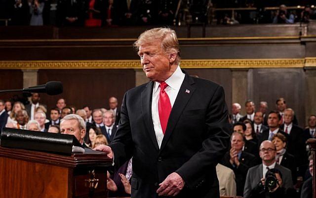 El presidente de los Estados Unidos, Donald Trump, llega para pronunciar el discurso del Estado de la Unión en el Capitolio de los Estados Unidos en Washington, DC, el 5 de febrero de 2019. (Doug Mills / POOL / AFP)