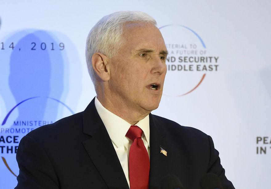 El vicepresidente de Estados Unidos, Mike Pence, pronunció un discurso durante la conferencia sobre paz y seguridad en el Medio Oriente en Varsovia, el 14 de febrero de 2019. (Crédito de foto: JANEK SKARZYNSKI / AFP)