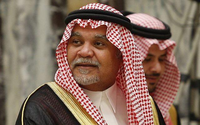 El príncipe saudí Bandar bin Sultan en su palacio en Riad, Arabia Saudita, 2008 (AP / Hassan Ammar)