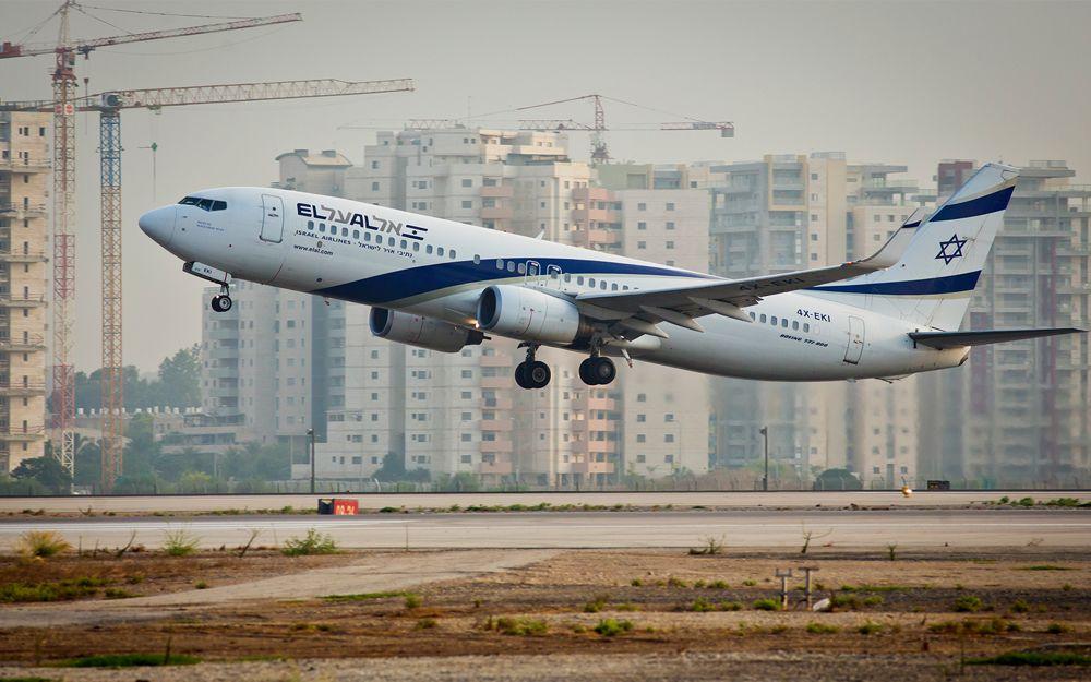 Foto ilustrativa de un avión de El Al despegando del aeropuerto Ben Gurion, 5 de agosto de 2013. (Moshe Shai / Flash 90)