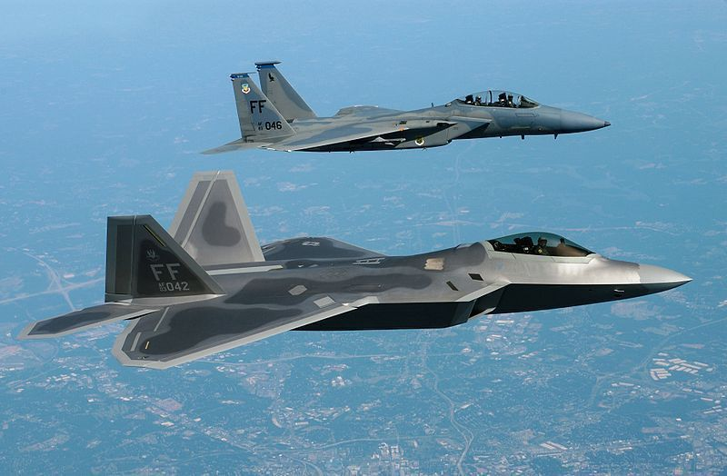 El F-22 es el sucesor espiritual del F-15, no el F-35.(Wikimedia Commons)