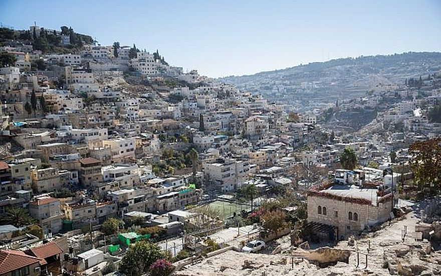 Vista del barrio de Jerusalén este de Silwan el 3 de diciembre de 2017. (Yonatan Sindel / Flash90)