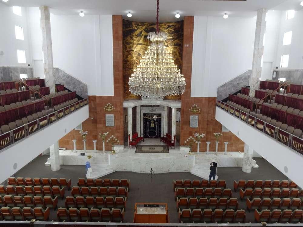 El interior de la sinagoga Monte Sinaí en la Ciudad de México, construido en 1953. (Monica Unikel)