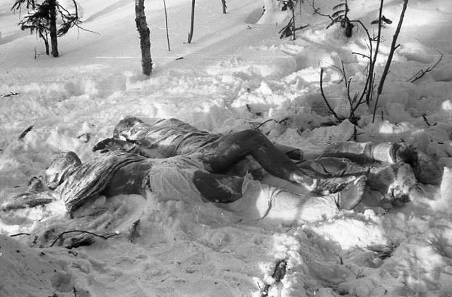Los cuerpos de Krivonischenko y Doroshenko. (Archivo Nacional de Rusia)