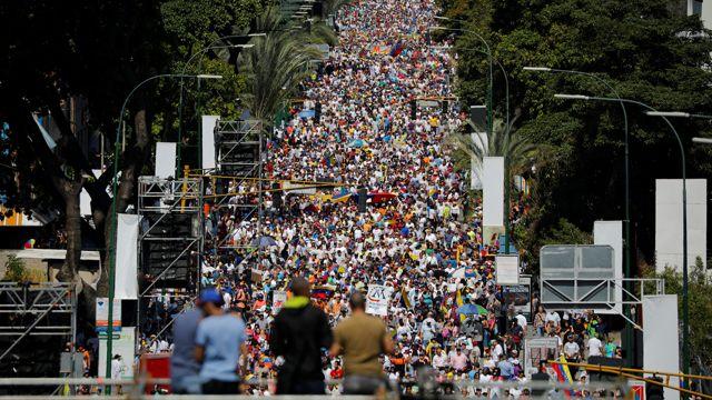 Las masivas manifestaciones opositoras del sábado (REUTERS/Carlos Barria)