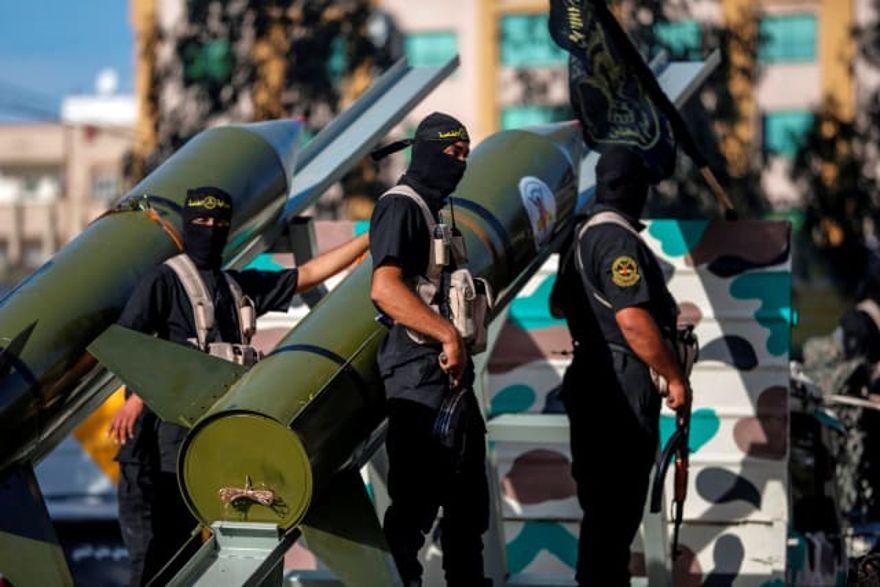 Miembros del movimiento Jihad Islámico Palestino marchan durante un desfile militar, Ciudad de Gaza, Gaza, 4 de octubre de 2018. AFP