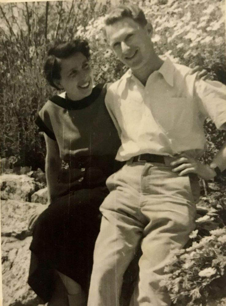 Yair Noam con su esposa, Anita, en Israel, 1954.