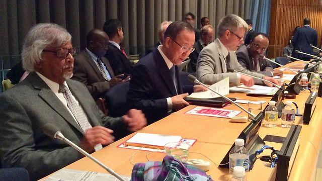 Arun Gandhi con el entonces jefe de la ONU Ban Ki-moon