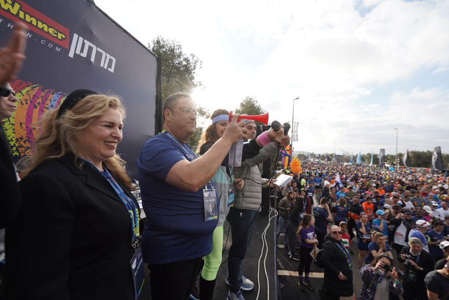El alcalde de Jerusalem, Moshe Lion, en la novena maratón anual en la ciudad, el 15 de marzo de 2019. (Dor Schwartz)