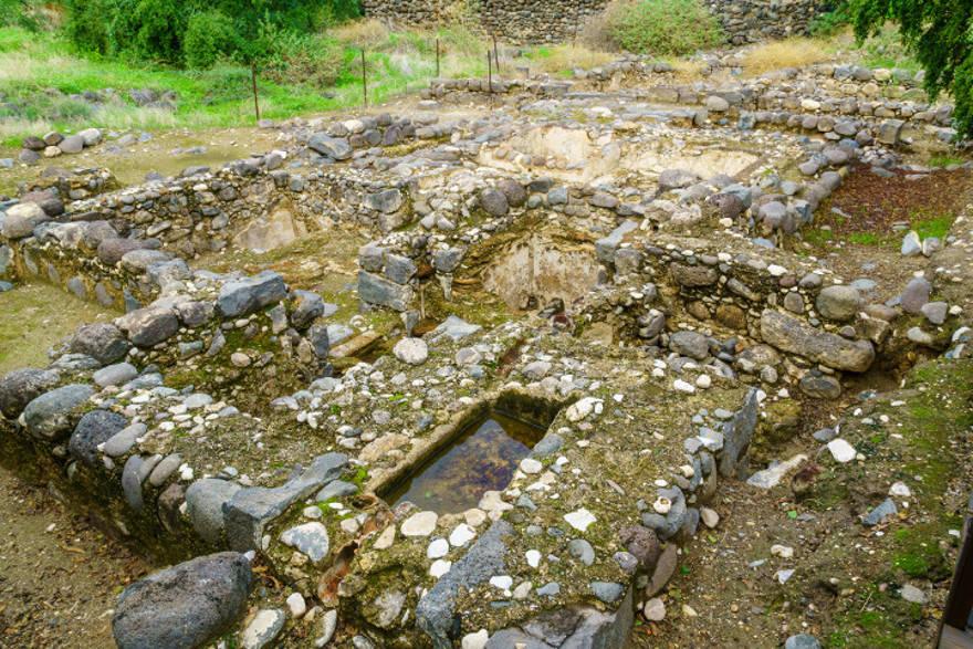 Restos de una casa de baños bizantina, en el Parque Nacional Kursi, Altos del Golán