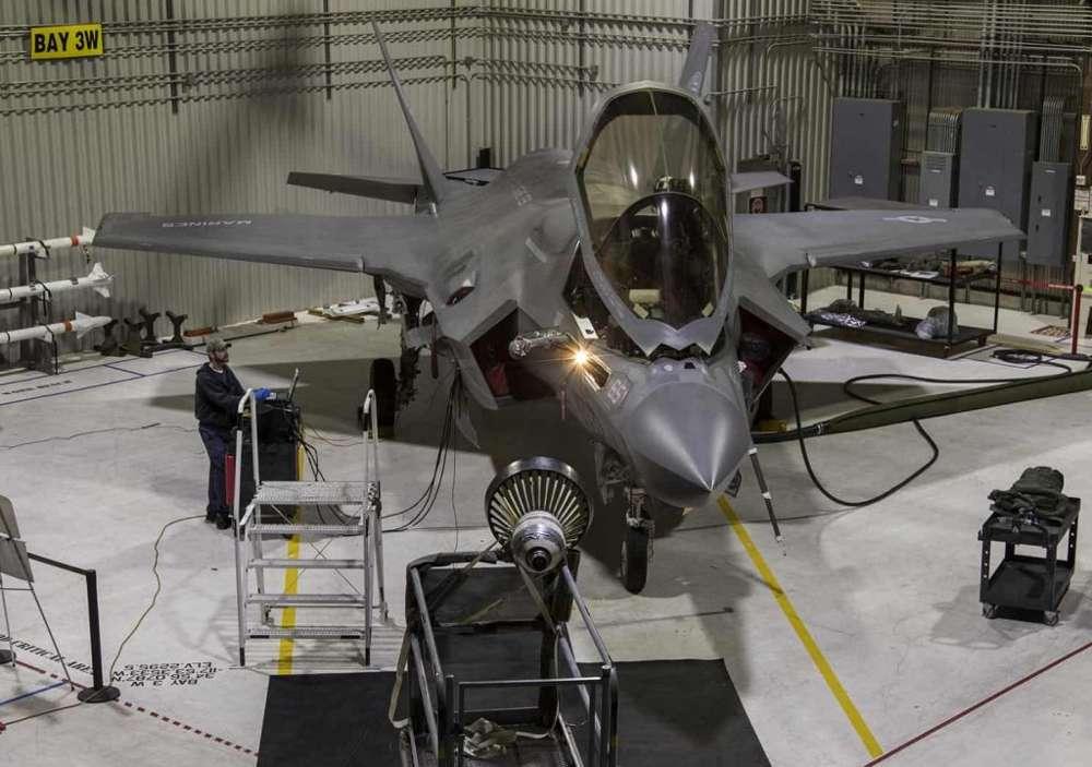 Mejora capacidad operativa en variantes del F-35 para reabastecimiento nocturno de combustible