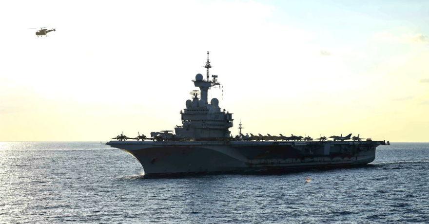 Portaaviones clase Charles De Gaulle (Suboficial de primera clase Theron J. Godbold)