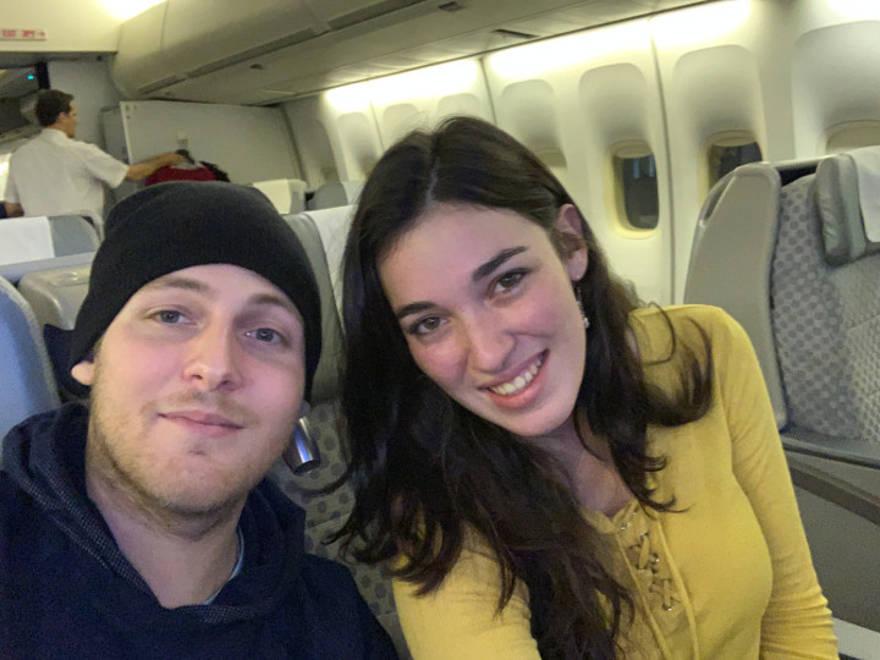 Mendel y Ruchama en el camino de regreso a Israel.