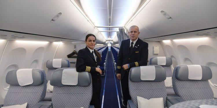 Ministerio de Salud insta a las aerolíneas israelíes a vacunar a las tripulaciones contra el sarampión